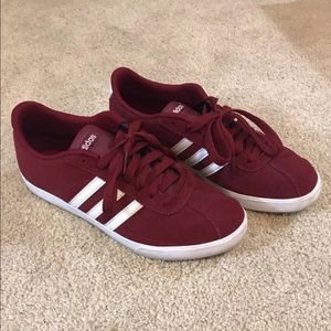 Maroon/ red adidas